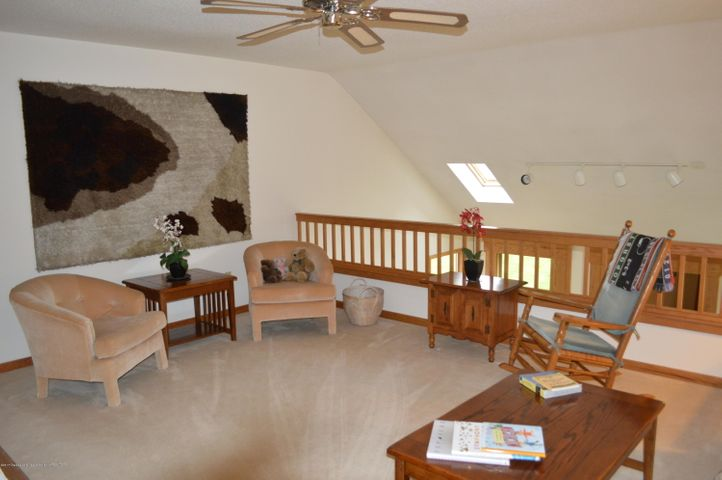 3887 Crooked Creek Rd - Loft Family Room level 2 - 18