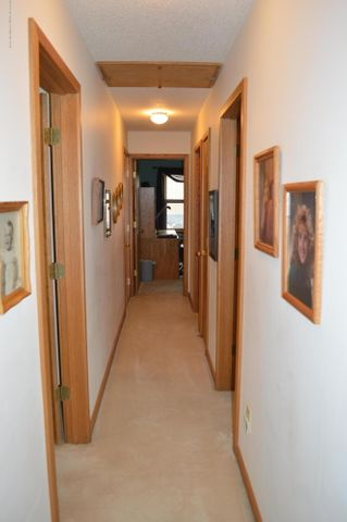 3887 Crooked Creek Rd - Bedroom Hall - 24