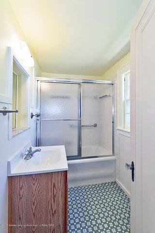 555 Collingwood Dr - Bathroom - 11