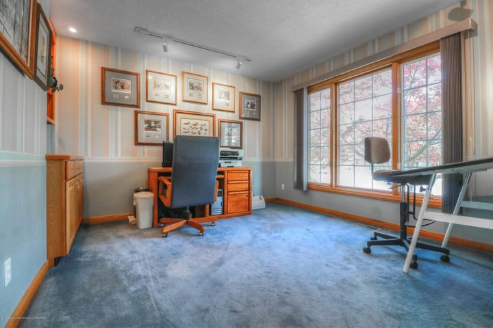 407 W Dill Dr - Office - 8