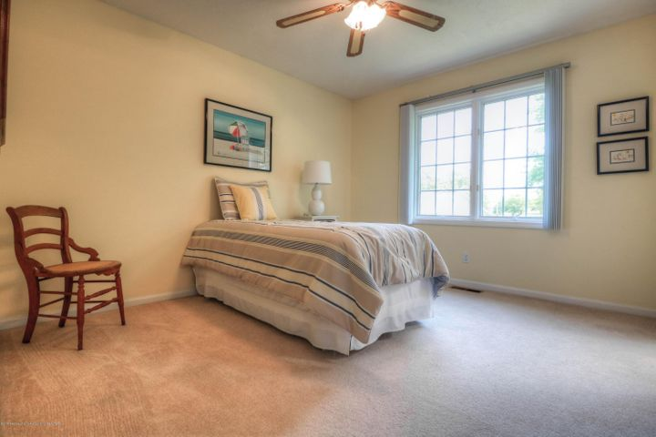 407 W Dill Dr - Bedroom - 14
