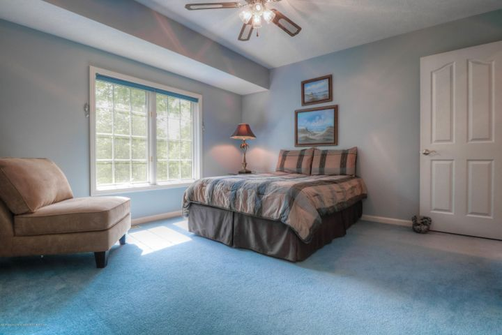 407 W Dill Dr - Bedroom - 17