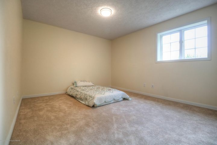 407 W Dill Dr - Bedroom - 21