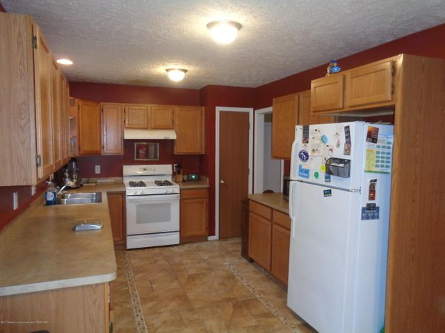 727 W Miller Rd - miller kitchen - 6