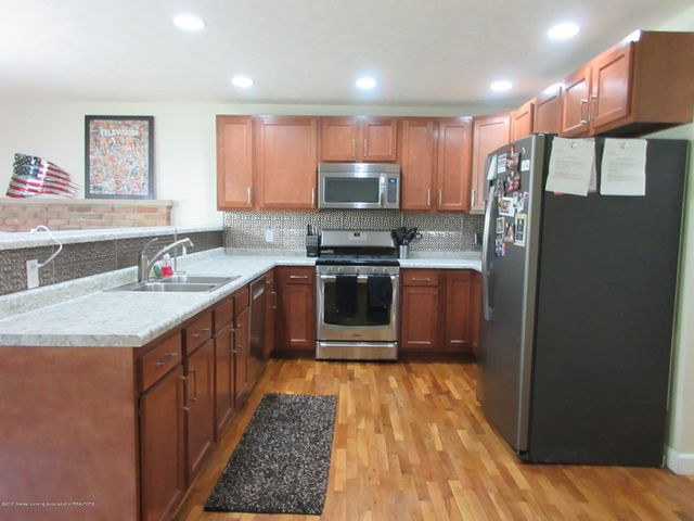 1915 Mendota Dr - Kitchen - 7
