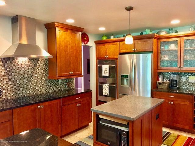 10592 Corcoran Rd - Kitchen - 8
