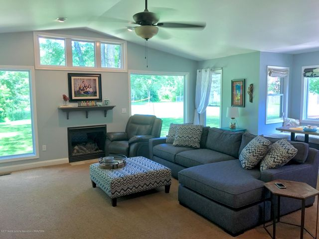 10592 Corcoran Rd - Great Room - 4