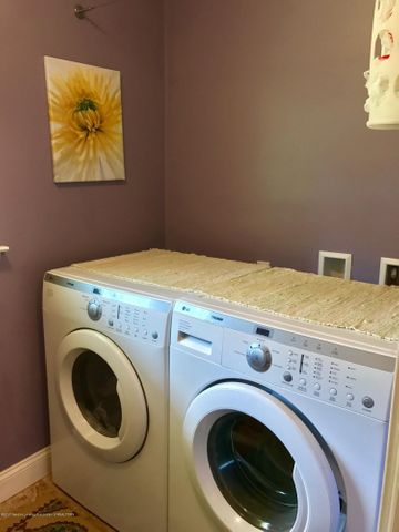 10592 Corcoran Rd - Laundry - 26