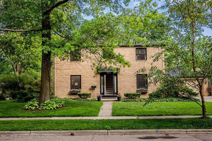 1133 Southlawn Ave - Exterior 1 - 1