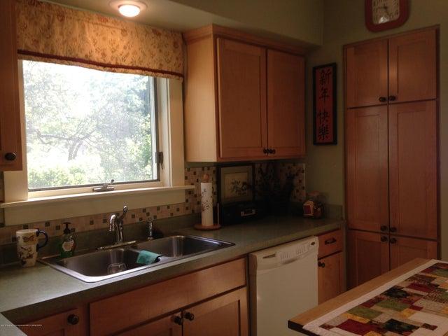 523 Hunter Blvd - Kitchen Sink with Window - 7