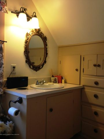 523 Hunter Blvd - Built Cabinets and Drawers - 11