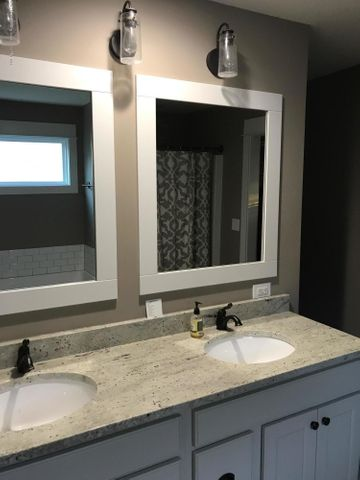 10767 Knockaderry Dr - Master Bath 1 - 8
