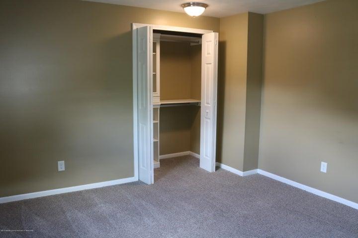 1046 Pickton Dr - Bedroom 4 - 20