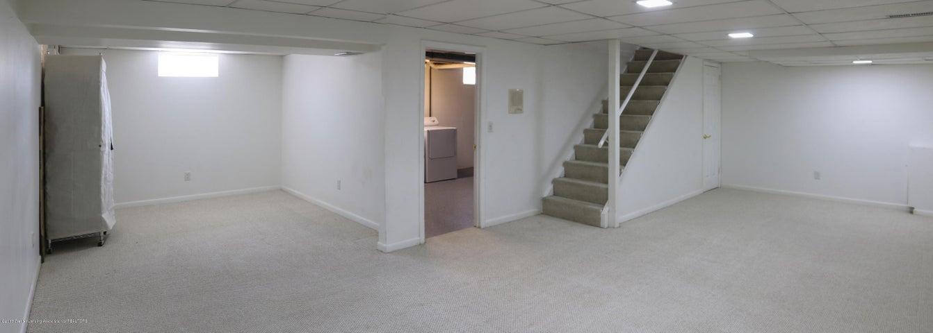 1046 Pickton Dr - Rec Room - 21