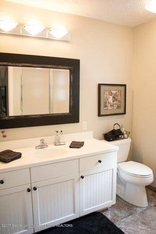 3906 Hemmingway Dr - Attached Bathroom - 63