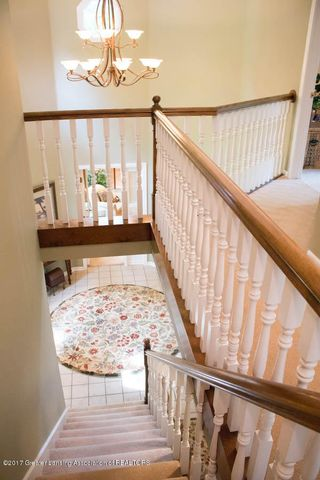 3906 Hemmingway Dr - Stairs to 2nd Level - 47