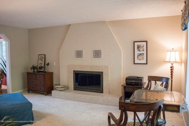3906 Hemmingway Dr - Living Room - 45