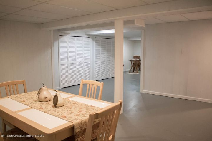 3906 Hemmingway Dr - Lower Level Rec Room - 70
