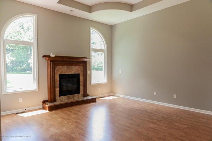 1761 Hamilton Rd - Living Room - 12
