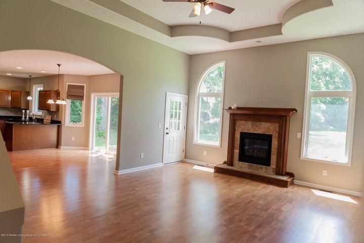 1761 Hamilton Rd - Living Room - 15