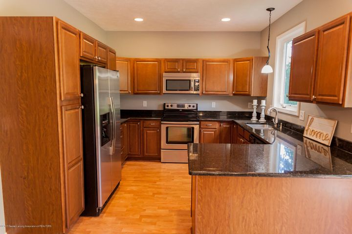 1761 Hamilton Rd - Kitchen - 22
