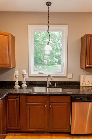 1761 Hamilton Rd - Kitchen - 25