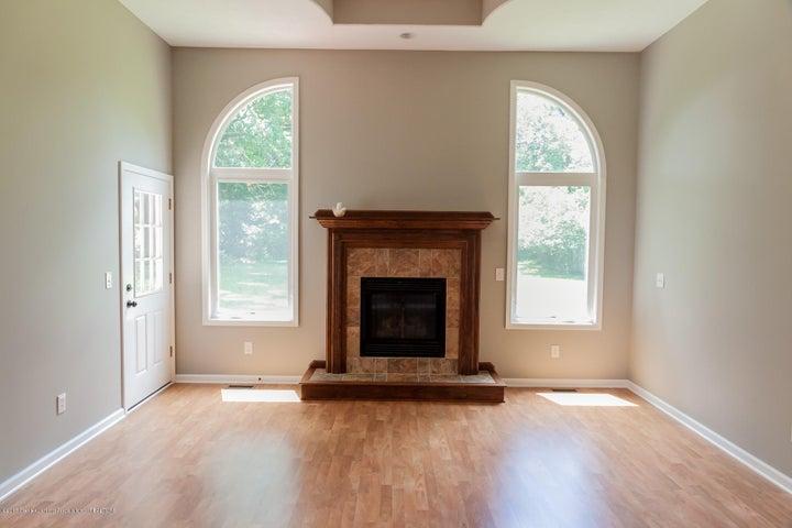 1761 Hamilton Rd - Living Room - 13
