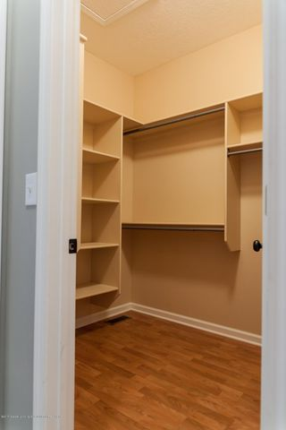 1761 Hamilton Rd - Walk-in Closet - 34