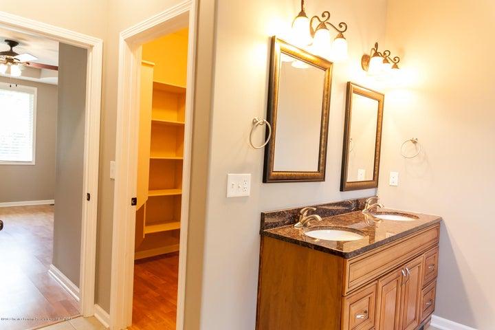 1761 Hamilton Rd - Master Bathroom - 36