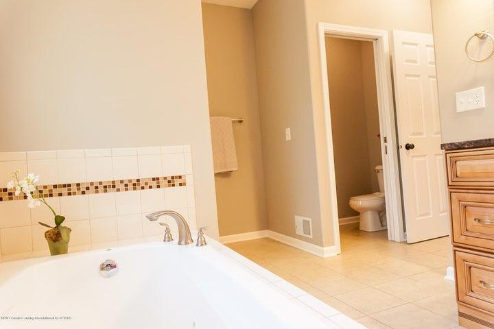 1761 Hamilton Rd - Master Bathroom - 39