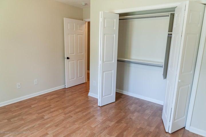 1761 Hamilton Rd - Bedroom - 45