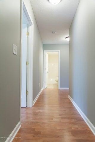 1761 Hamilton Rd - 2nd Level Hallway - 50