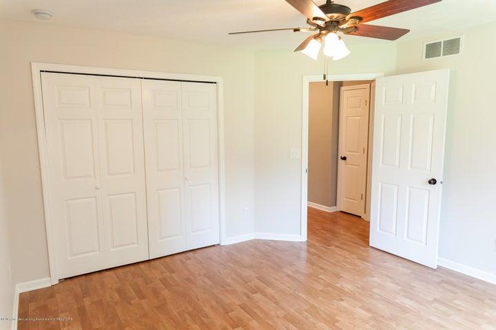 1761 Hamilton Rd - Bedroom - 52