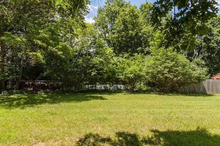 1761 Hamilton Rd - Yard - 63