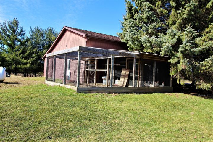 5216 E Centerline Rd - centerchickencoop - 37