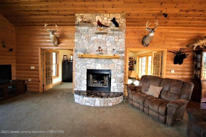 5216 E Centerline Rd - Fireplace - 8