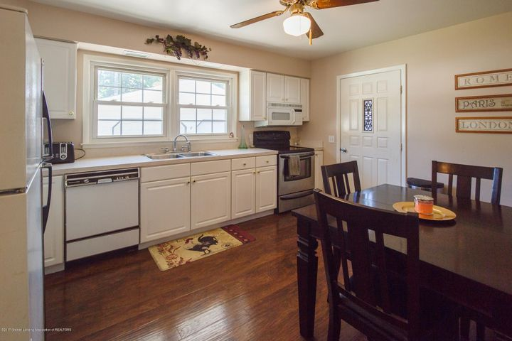 205 Cloverland Dr - KITCHEN - 6