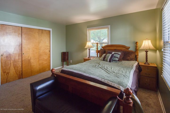 205 Cloverland Dr - BEDROOM - 12