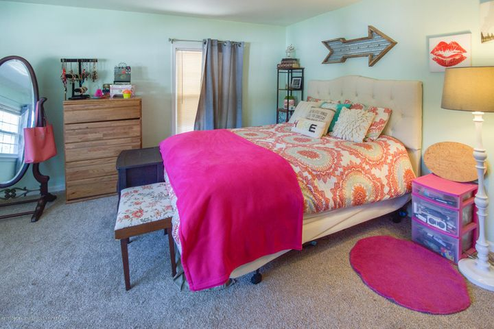 205 Cloverland Dr - BEDROOM - 24