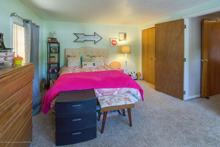 205 Cloverland Dr - BEDROOM - 26
