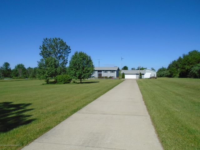 6100 Hollister Rd - front - 1