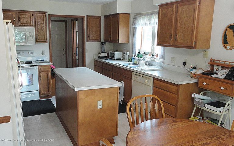 2460 Pocasset Way - Kitchen - 5
