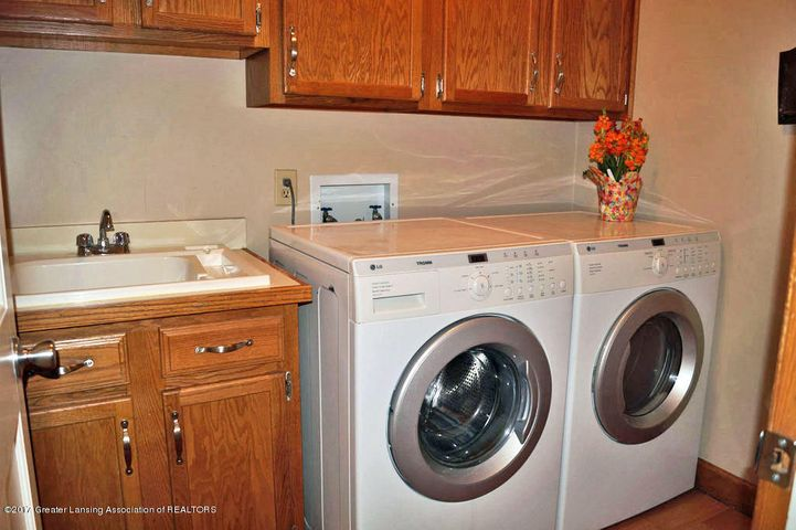 6404 E Island Lake Dr - Laundry - 40