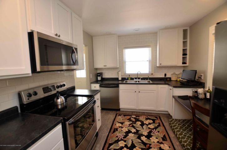 619 Cornell Ave - KITCHEN - 3