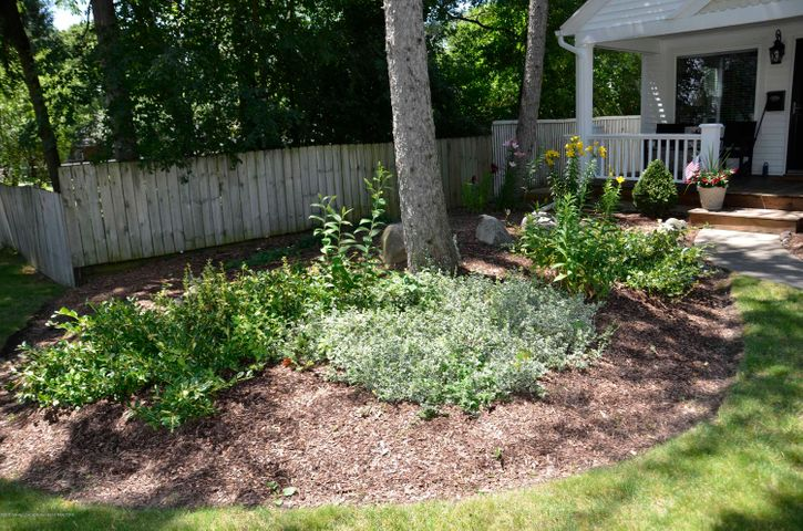 619 Cornell Ave - FRONT LANDSCAPING - 12