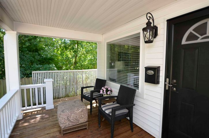 619 Cornell Ave - PORCH - 13