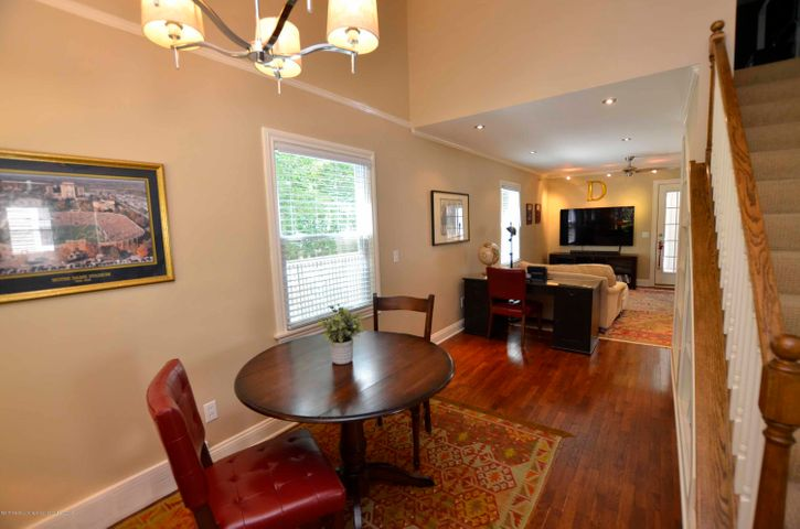 619 Cornell Ave - OPEN FLOOR PLAN - 15