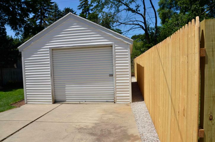 619 Cornell Ave - GARAGE & FENCE - 32