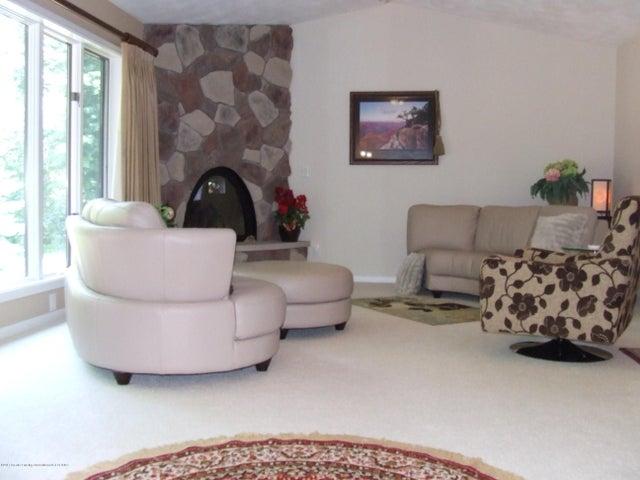 1083 Brookside Dr - Living room - 7