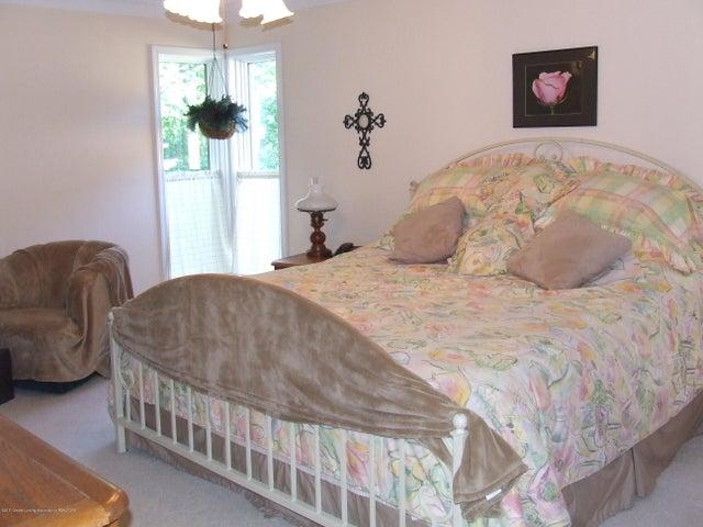 1083 Brookside Dr - Master bedroom - 10